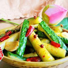 双椒脆黄瓜条的做法
