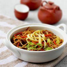 杂蔬肉丝炒面的做法