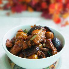 香菇板栗鸡煲的做法