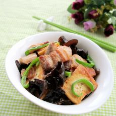 木耳豆腐焖肉
