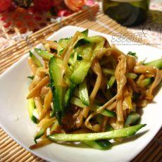 黄瓜丝拌黄花菜的做法