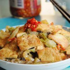 白菜烩脆皮豆腐的做法