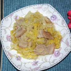 酸菜氽白肉