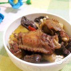 土鸡炖磨菇土豆