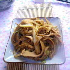 豆皮炒白菜的做法