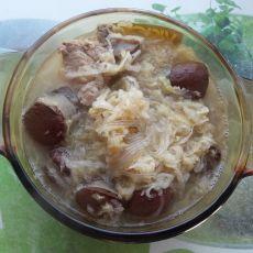 东北特色酸菜锅