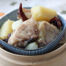 鳇鱼炖土豆