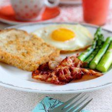 简易版培根煎蛋的做法
