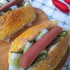 鸡蛋火腿黄瓜汉堡