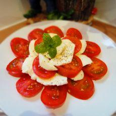 西红柿配奶酪的做法