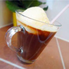 香草冰淇淋咖啡