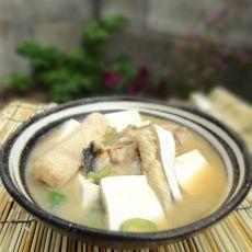 鱼骨味噌汤
