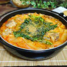韩式排骨泡菜锅