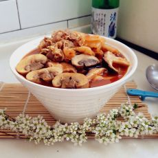 泡菜羊肉菌汤