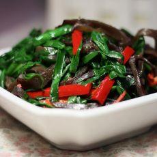 韭菜炒黑木耳