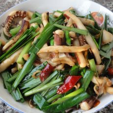 鱿鱼炒韭菜