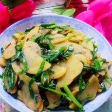 土豆片炒韭菜的做法