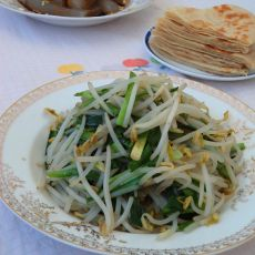 银芽炒韭菜的做法