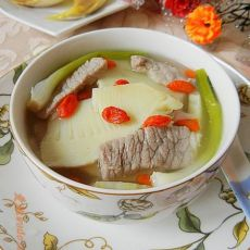 咸肉片煲春笋