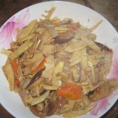 家常咸肉炒春笋的做法