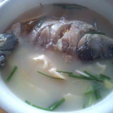 春笋鲫鱼汤