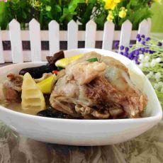 白萝卜春笋筒骨汤