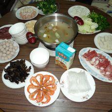 羊肉丸子什锦火锅的做法