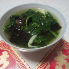 菠菜木耳银鱼汤的做法