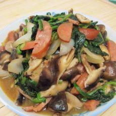 肉肠香菇炒菠菜