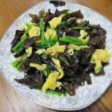 木耳鸡蛋炒菠菜