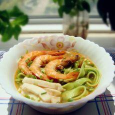 翡翠海鲜汤面