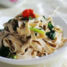 菠菜炒豆腐皮的做法