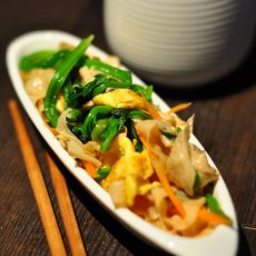 鸡蛋菠菜拌油豆皮