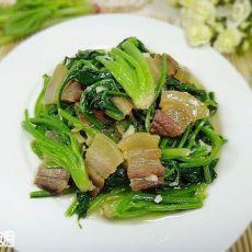 腊肉炒菠菜的做法