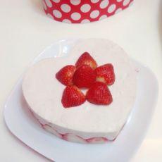 6寸草莓慕斯