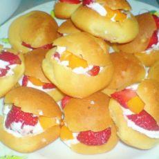 奶油水果泡芙