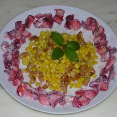 草莓甜玉米沙拉的做法
