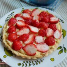 卡仕达酱草莓塔