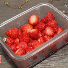 甘草草莓的做法