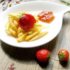 薯条蘸自制草莓酱
