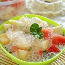 孩子最爱之西米水果捞的做法
