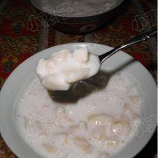 苹果粒酸奶