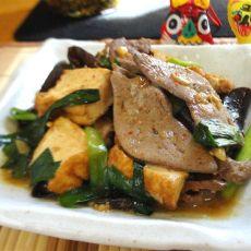 猪肝炒豆腐的做法