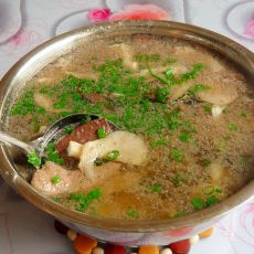 猪肝鸡血蘑菇汤