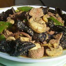蘑菇青椒炒猪肝的做法