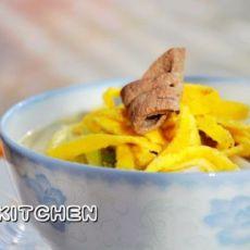 蛋皮猪肝汤年糕的做法