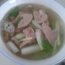 猪肝瘦肉白菜汤的做法