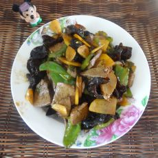 青椒土豆木耳炒猪肝的做法