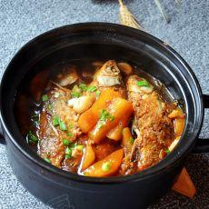 鲫鱼炖萝卜条