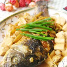 豆瓣豆腐烧鲫鱼的做法